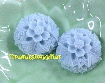 NEW ITEM - 4 pcs 20mm Round Flower Cabochons, Pale Blue  (137)