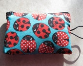 ladybugs print padded zipper bag