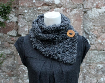 SCARF, Gray knit button scarf, super soft scarf, chunky knitted scarf grey, lace scarf with button, gift for her, svarves uk,