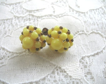 Vintage Cluster Earrings..........Screwback........Yellow Plastic Beads