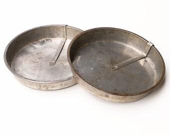 Metal Cake Pans Slider Release Lever Vintage Storage Kitchen Decoration