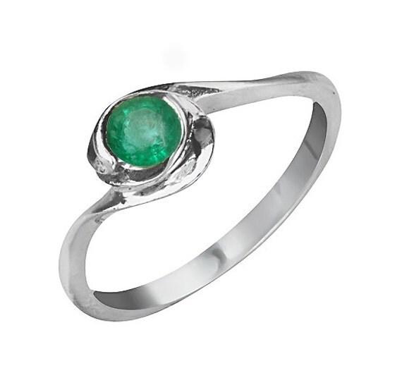 18k gold modern twist emerald ring emerald engagement by
