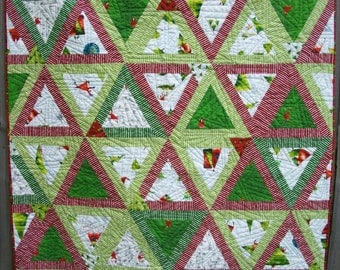 CIJ SALE Christmas Quilt Santa's Whimsy Pyramid Quilted Patchwork Quiltsy Handmade FREE U.S. Shipping