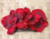 Beautiful comb with 3 deep red orchids and green leaves vintage rockabilly style wedding 40s 50s