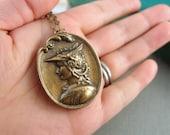 Greek goddess vintage locket, aged brass locket, round locket, L091