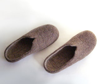 Felted natural wool slippers for men, Felted slippers brown