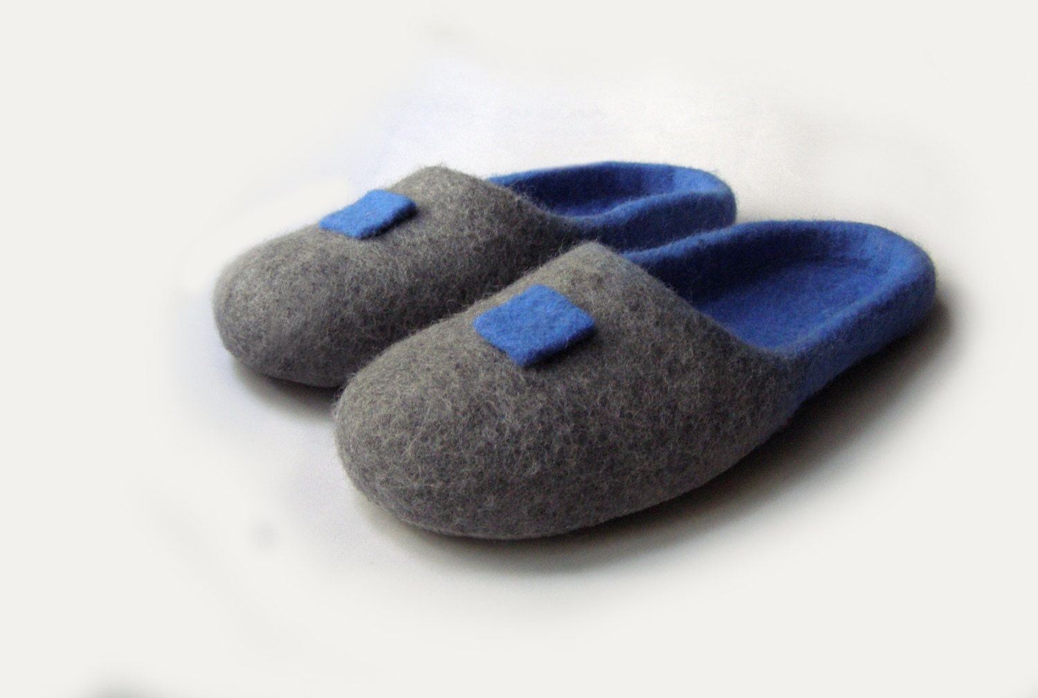 Women house shoes felted natural wool slippers Felted shoes