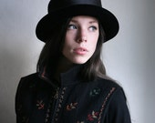 Embroidered wool Folk style Black vest - floral designs autumnal Warm wool top, traditional vest