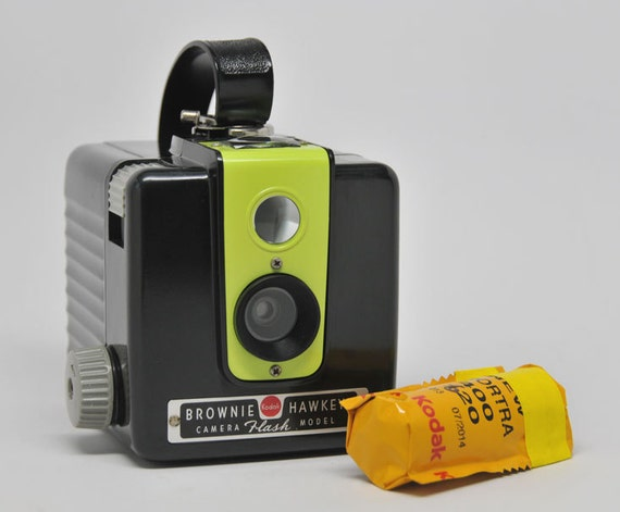 kodak brownie hawkeye flash camera with 620 film vintage. Black Bedroom Furniture Sets. Home Design Ideas