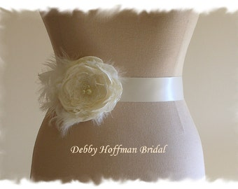 Flower Bridal Sash, Flower Wedding Sash, Flower Wedding Dress Sash, Flower Sash, Floral Bridal Wedding Sash with Feathers, No. 1012FPCFS