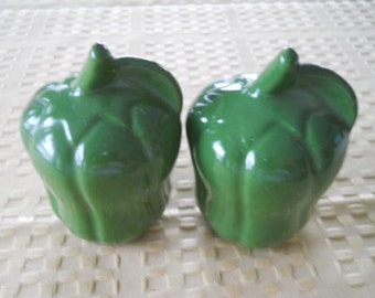 Green Pepper Salt and Pepper Shakers - Vintage, Collectible, Vegetable