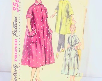 1950s LUCY House Dress Duster Housecoat - Simplicity 4471 Vintage Sewing Pattern, Misses Size 14, Bust 32