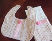 Burp Cloth & Bib Set, Pink Floral, Baby Girl Bib, Baby Girl Burp Cloth Set, Baby Shower, Baby Gift, Newborn, Girl Set, Girls Bib Set