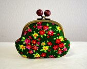Green retro floral coin purse with wooden balls. Handmade in Japan. Ready to ship - frame purse, clasp purse, pink floral print.