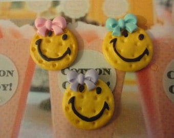 Kawaii smiley cookie with cute bow cabochons   3 pcs---USA seller