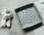 Garlic and Oil Plate - Garlic or Ginger Grater - Lace - Charcoal