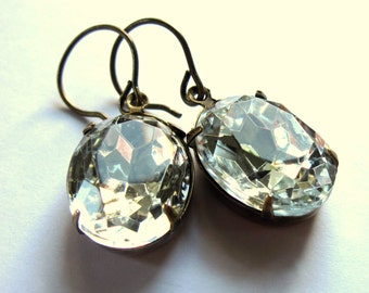 Clear Glass Claw Set Oval Earrings Fashion Jewelry