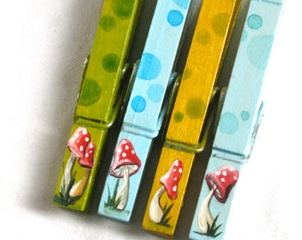 MUSHROOM CLOTHESPINS hand painted magnetic clips