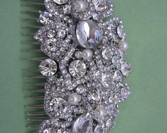 Vintage inspired Wedding hair clip.Bridal hair comb pearl hair clip.Wedding hair jewelry.Bridal hair comb.Wedding hair piece,Bridal comb