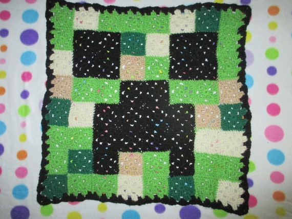 Free Crochet Pattern For Minecraft Afghan : Crochet Minecraft inspired Creeper blanket throw afghan