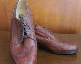 Vintage Men's Reddish Brown Leather Murray Health Oxford Shoes - Brogue Shoes - Size 9.5 - Oxfords - Men's Dress Shoe - Fashion - Footwear