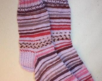 24,5 cm /// 9,6 inches Charming Woolen hand knitted socks, Slipper Socks - Unisex - US Men 6,5 /// US Women 8 /// EU 38,5