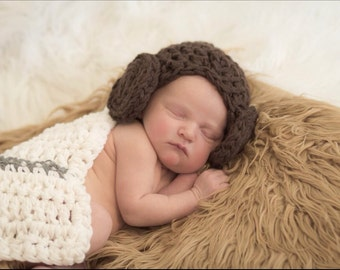 Crochet Princess Leia baby prop,  Princess Leia costume, Princess Leia wig beanie, Star Wars, star wars Cape and hat set newborn prop