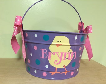 Personalized Gift basket, 16 quart metal bucket, name or monogram, polka dots, Teacher, Easter, baby, or birthday gift, chick design