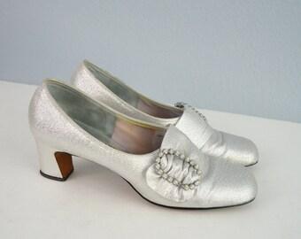 Vintage 60s Silver Metallic Mod Modern Rhinestone Buckle Slip On Heel  Pumps // womens size 7 1/2 AA ~ narrow