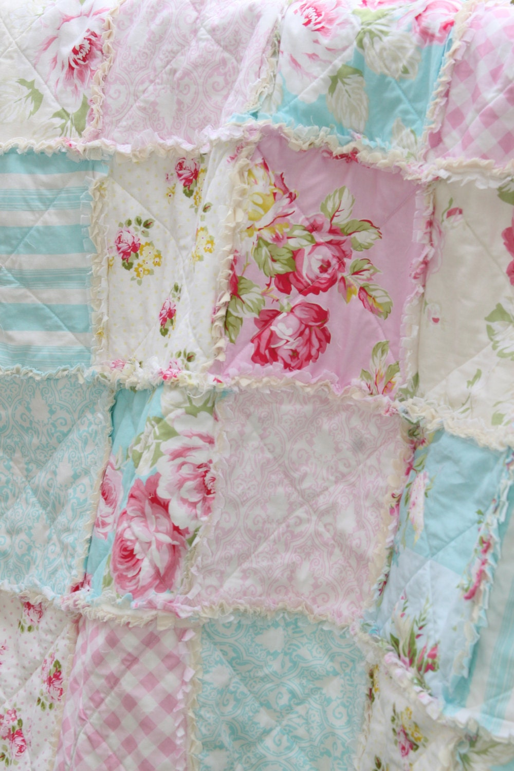 crib rag quilt baby girl crib bedding shabby chic nursery. Black Bedroom Furniture Sets. Home Design Ideas