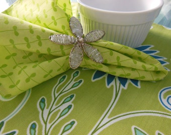 Green Cloth Napkins - Leaf Napkins - Striped Napkins - Vine Napkins - Set of Four - Green Vine Striped Design Napkins by Pillowscape Designs