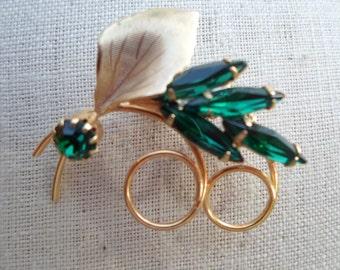 Vintage Gold Tone Leaf Pin/Brooch Emerald Green Pronged Rhinestones 1960s