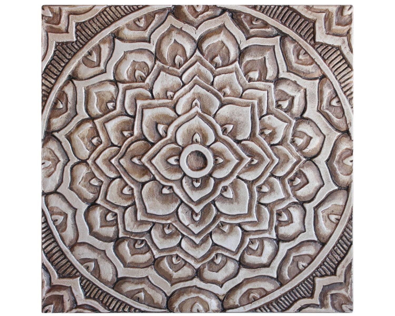 garden decor // garden art // ceramic tiles // outdoor wall