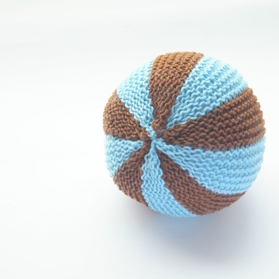 Knitting Patterns For Toy Balls : Items similar to Knitted baby toddler soft toy ball with bell. Montessori. Ha...