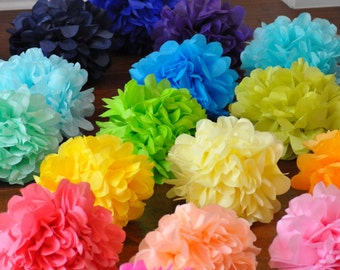12 Tissue Poms & Pom-fetti {Graduation Party}