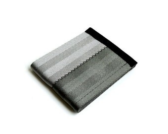 Vegan wallet made of seat belt webbing - gray and foliage green