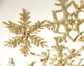 12 Gold sparkling Crochet snowflakes, christmas decoration ornament, lace golden shimmering crochet lace snowfakes, gold snowflakes