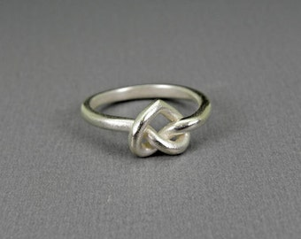 Knot heart silver ring