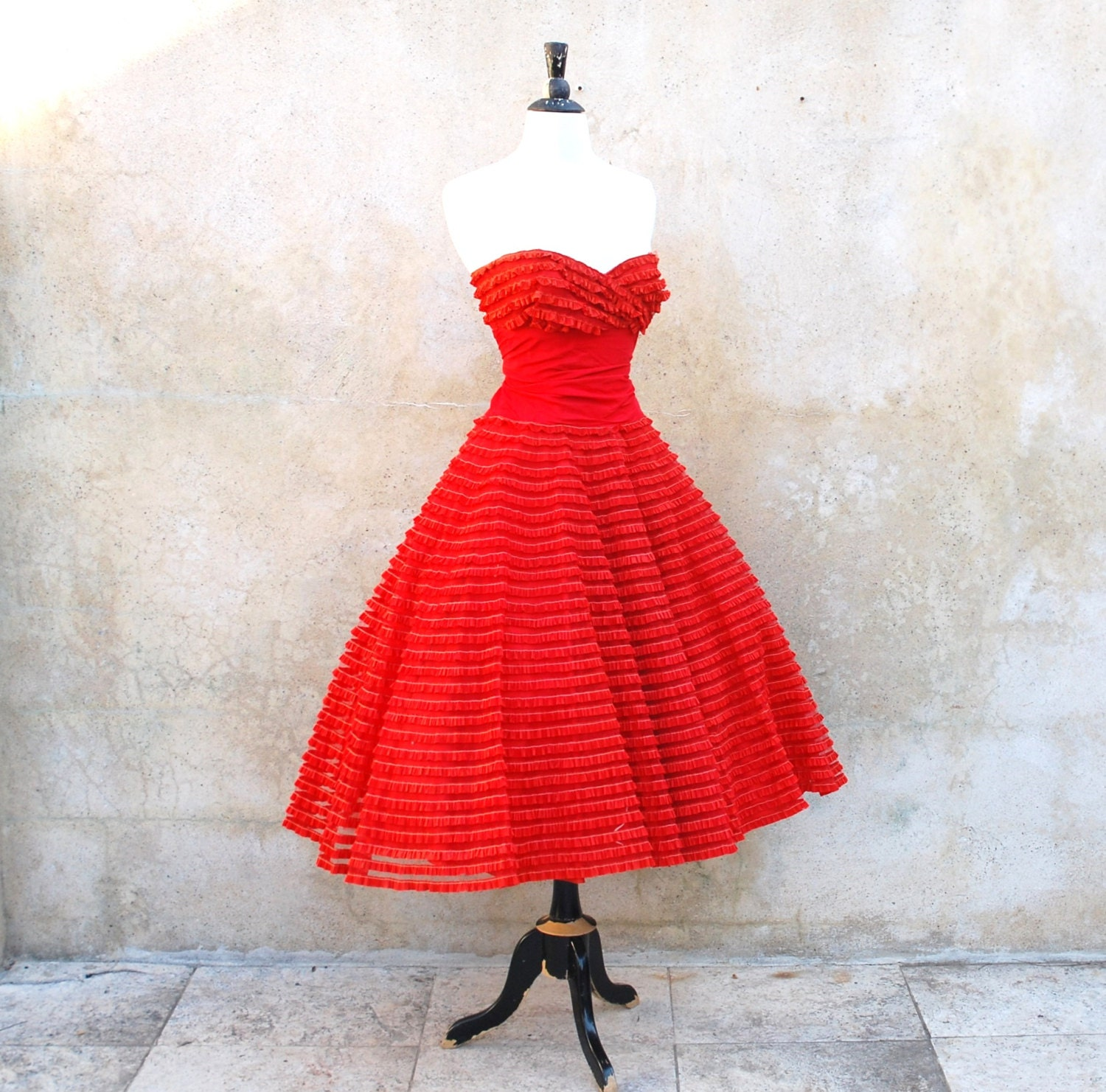 Bombshell 1950s Red Hot Strapless Prom / Party 50s Full