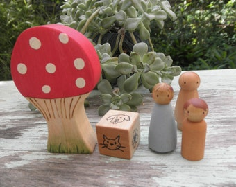 Wood Toy Set-Toadstool-Story Dice -3 Peg Family- Imaginative Play. WALDORF Inspired