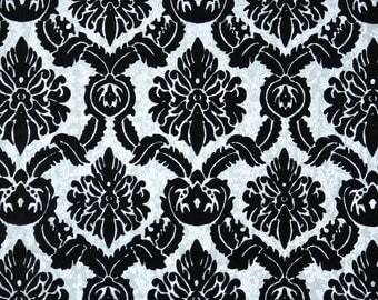 Retro Flock Wallpaper by the Yard 70s Vintage Flock Wallpaper - 1970s Black Flock Damask on Silver