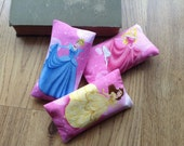 Princess pocket tissue holder