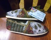 Size 6 Sugar Skull hand painted TOMS