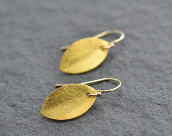 Gold Earrings, Leaf Shape Earrings, Dainty Earrings, Everyday Earrings, Bridesmaid Gift, Tiny Earrings, Small Earrings, Gold Leaf Earrings