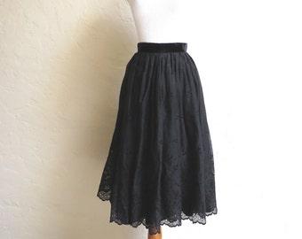 Beautiful Vintage 50s Black Embroidered Eyelet Full Skirt