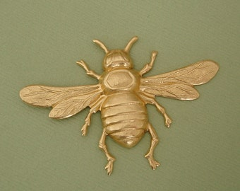 1-Large Bee Bug Insect Brass Stamping Ornament Pendant Jewelry Findings.