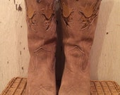 Miss Capezio Tan Suede Cowgirl Western Boots with Tulip Inlays size 7 1/2