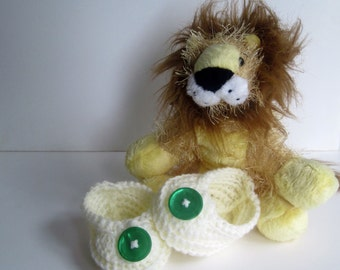 Crochet Baby Booties - Vanilla Cream Off White with Green Buttons - Newborn to 3 Months