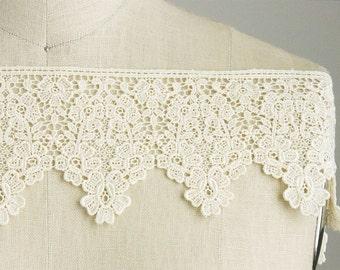 Melissa Venise Lace Ivory Cream Victorian Princess Style Lace Trim / Lace for Crowns / Craft Cabaret