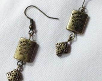 Earrings, Antique Gold Metal Earrings, Metal Dangle Earrings, Short Dangle Earrings, Antique Gold Jewelry, Jewelry Supplies by Cindydidit